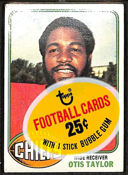 Lot Detail 1976 Topps Football Unopened Cello Pack